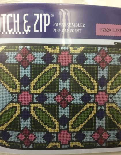 Stitch /& Zip Eyeglass Case Needlepoint Kit Schumacher Design 102